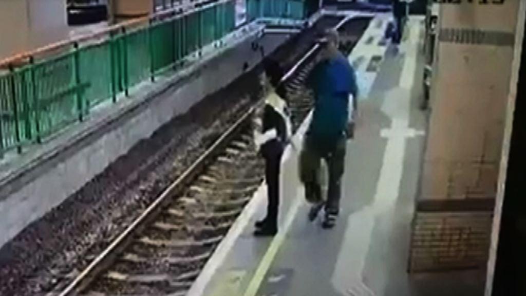 港鐵女工被推落路軌 涉案男子疑酒後犯案被捕