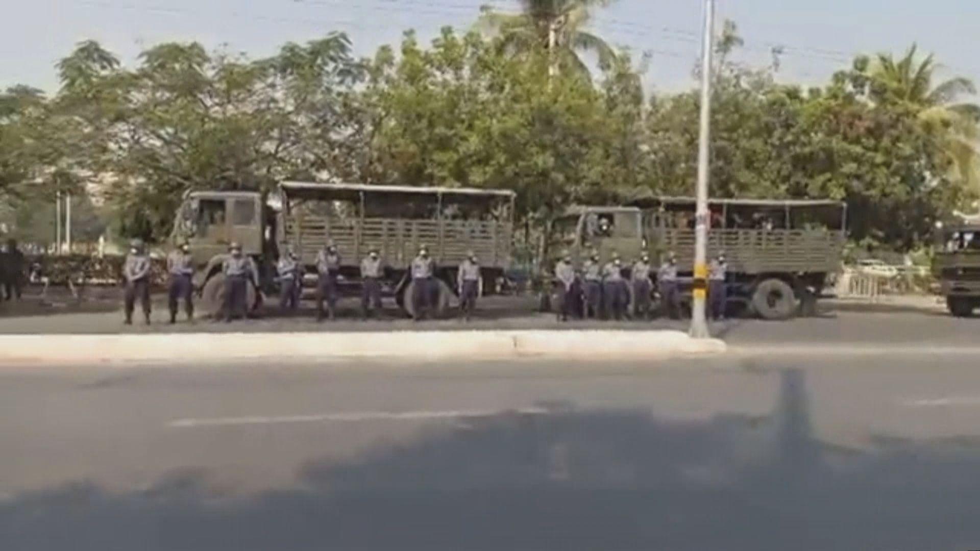 市面有軍隊駐守 聯合國緬甸特使籲國際社會向軍方施壓
