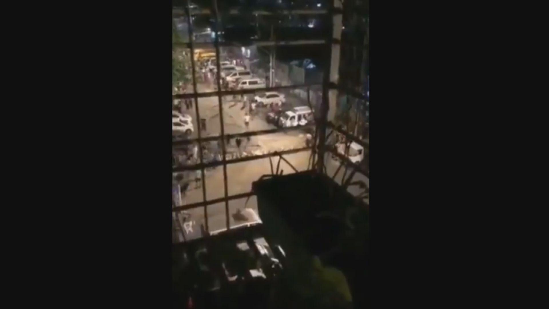 據報數百名在仰光遭警圍困示威者安全離開