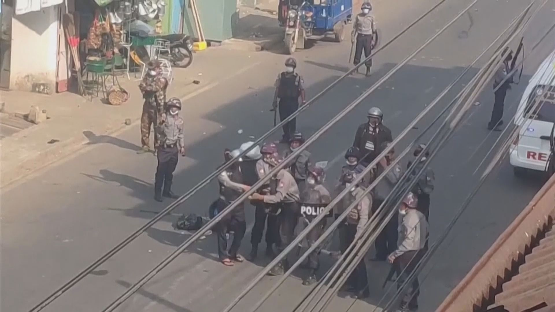 緬甸軍警在國內多處展開突擊行動