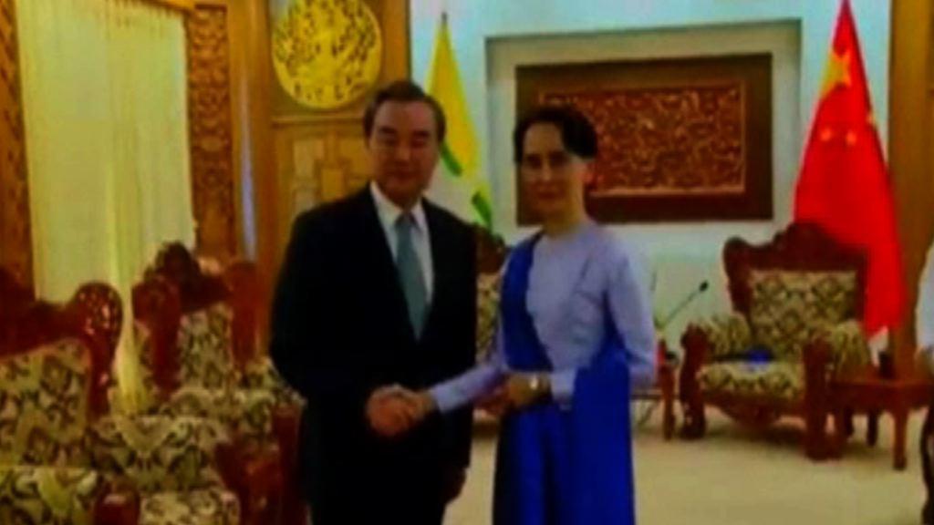 王毅訪緬甸 籲三階段解決羅興亞危機