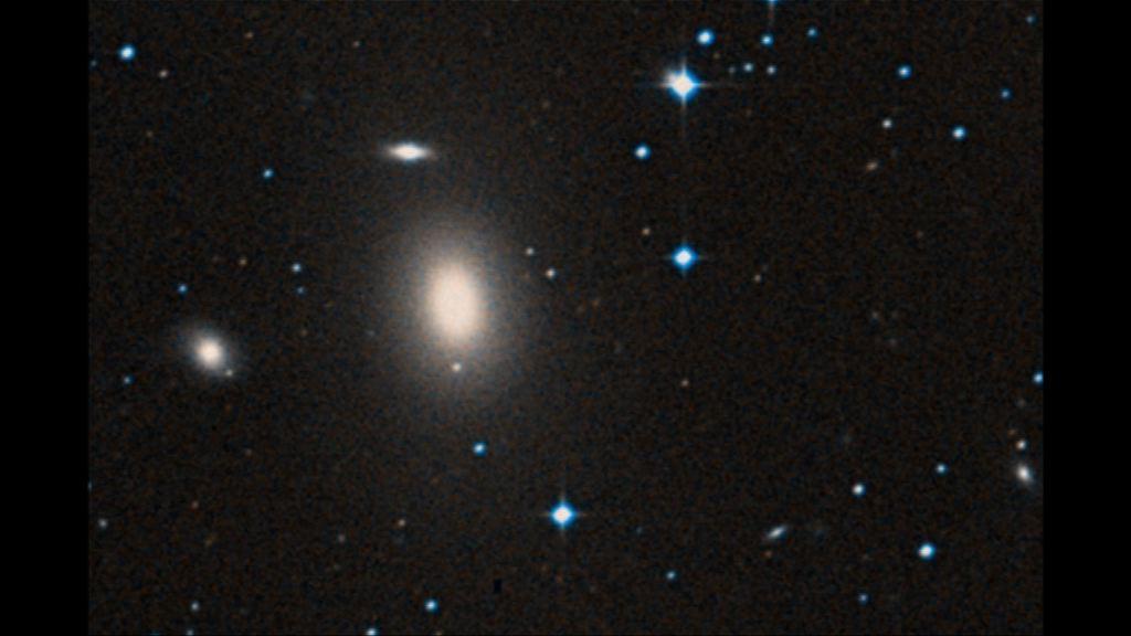 科學家於宇宙偏鄉發現大型黑洞