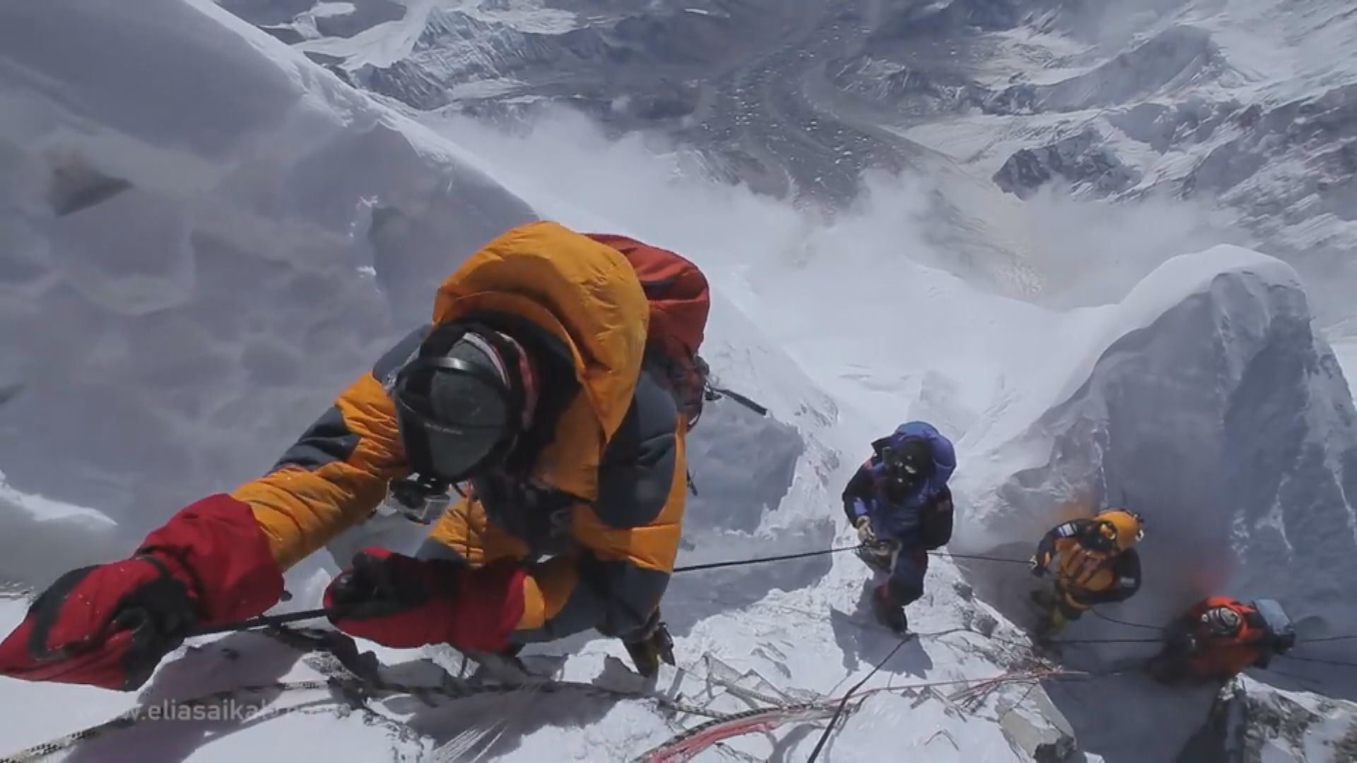 尼泊爾有限度重開邊境供旅客攀山