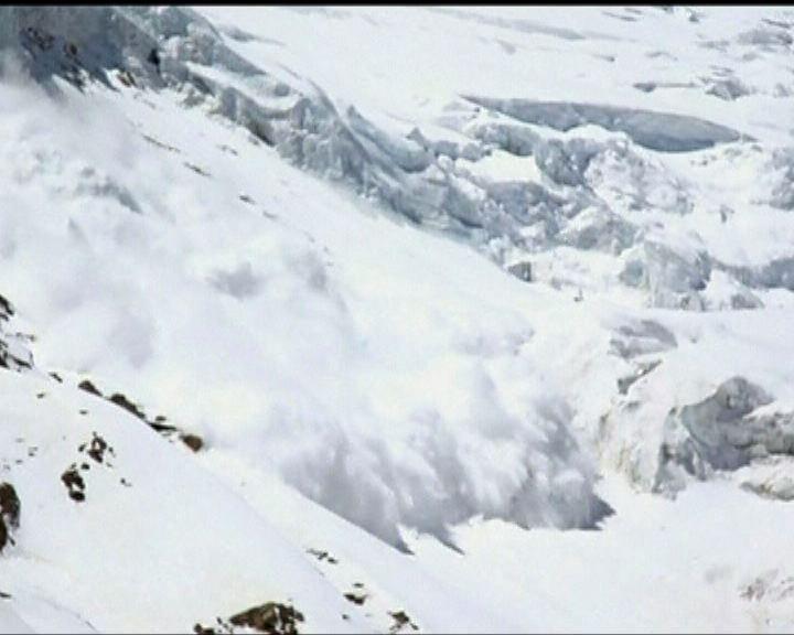 尼泊爾珠峰雪崩最少12死