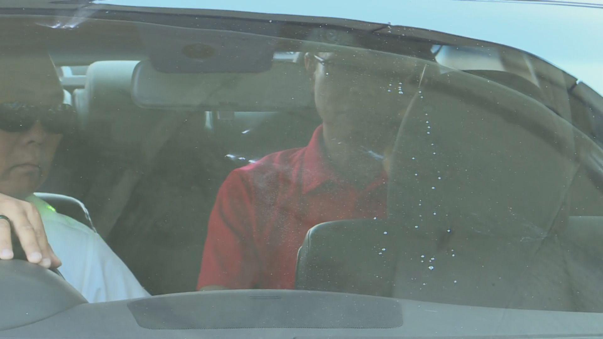 聶德權社交網站表示曾想下車與在場人士對話
