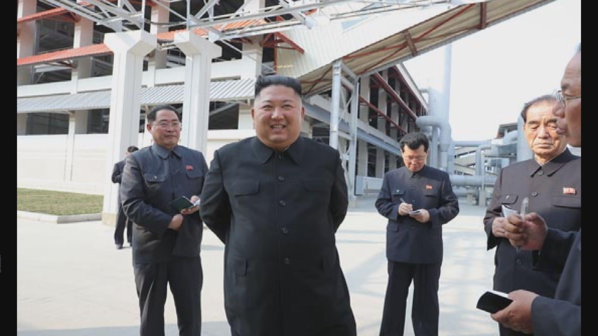 金正恩勞動節現身工廠竣工儀式 行動自如打破病重傳言