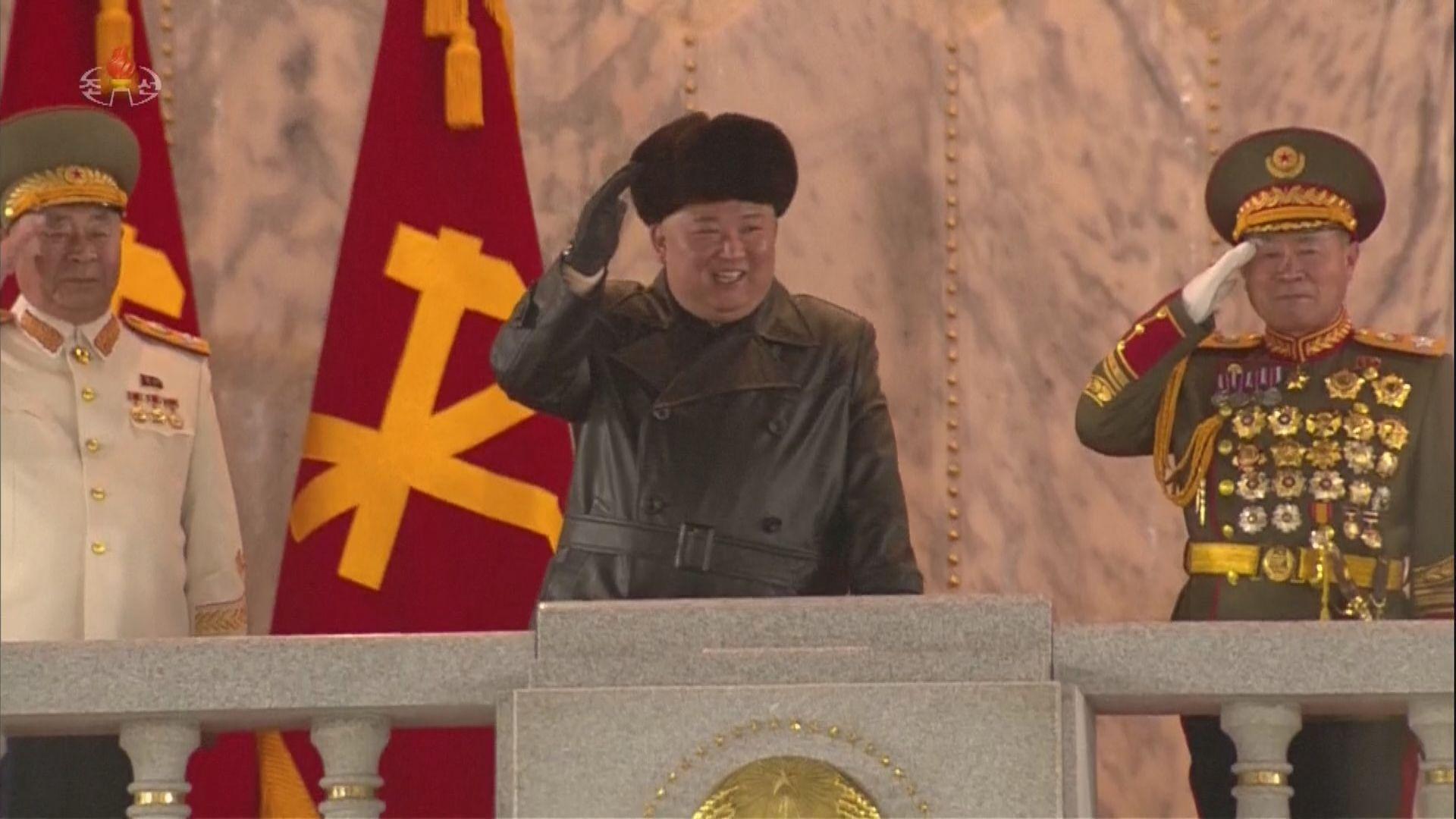 北韓舉行閱兵儀式 南韓學者指顯出平壤內部或存隱憂