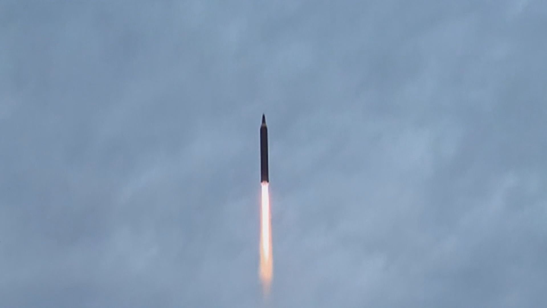 北韓凌晨發射一枚不明飛行物