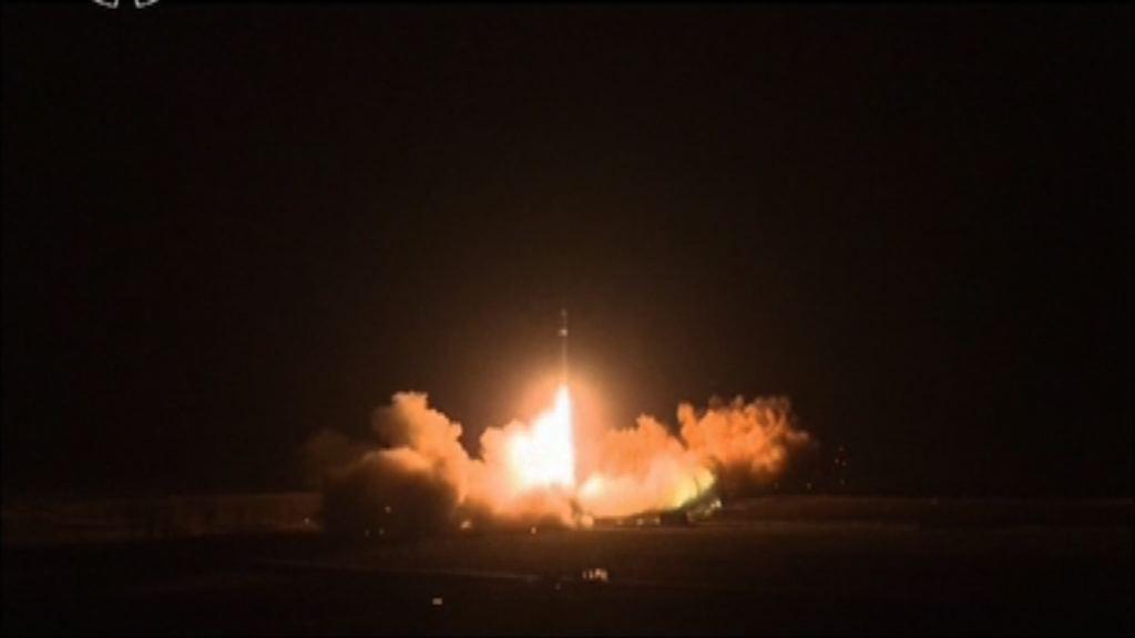 北韓公開試射新型洲際導彈圖片