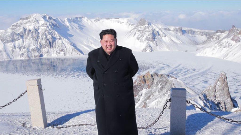 金正恩登上白頭山視察