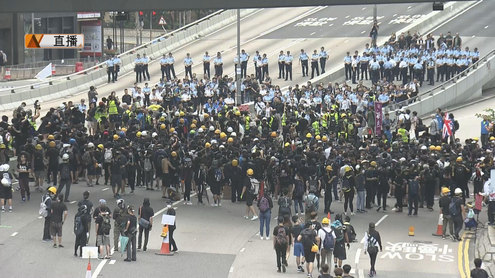 【最新】談判專家到場籲示威者自行離開
