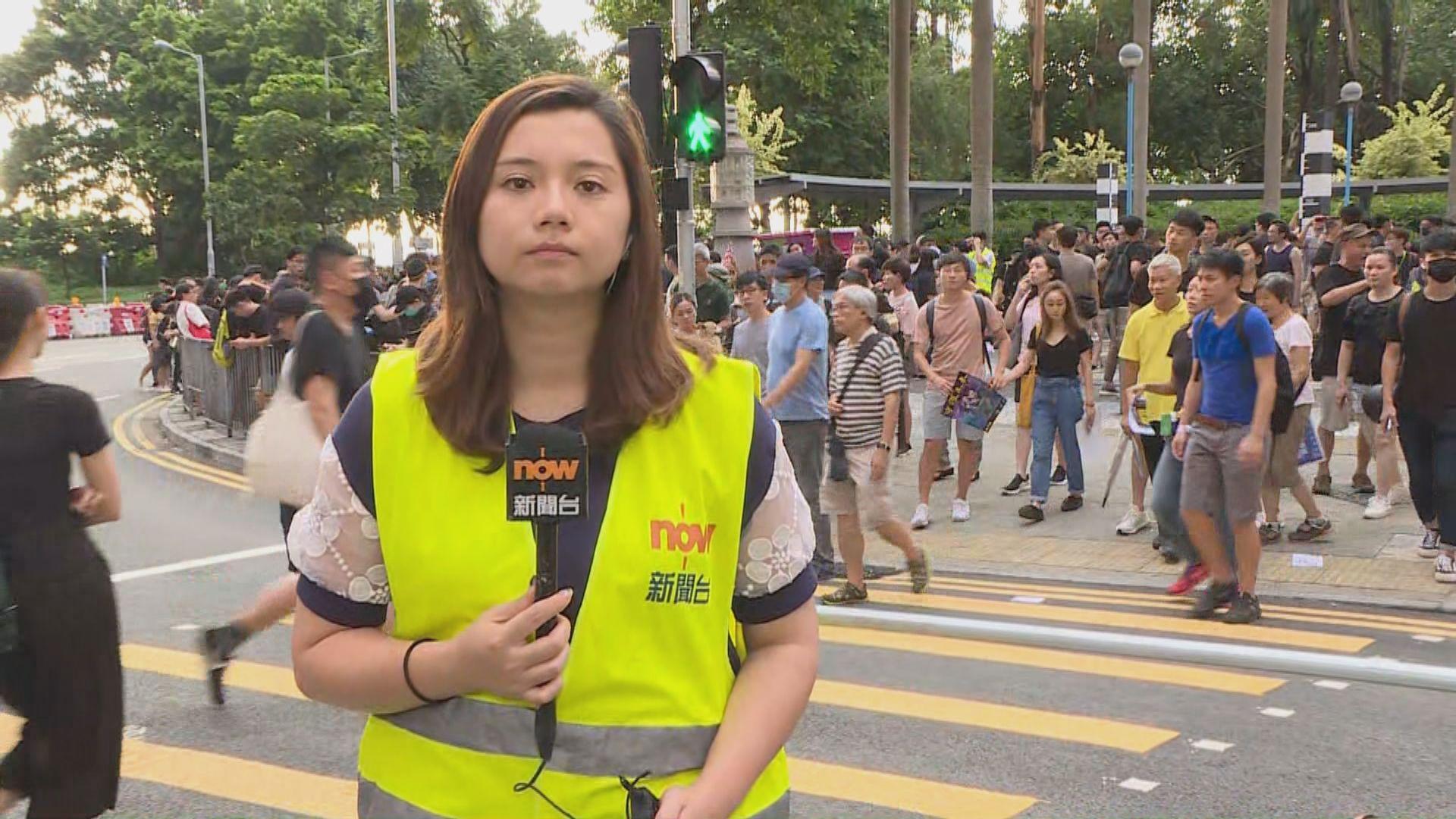 【現場報道‧西環】不斷有市民前來參與集會