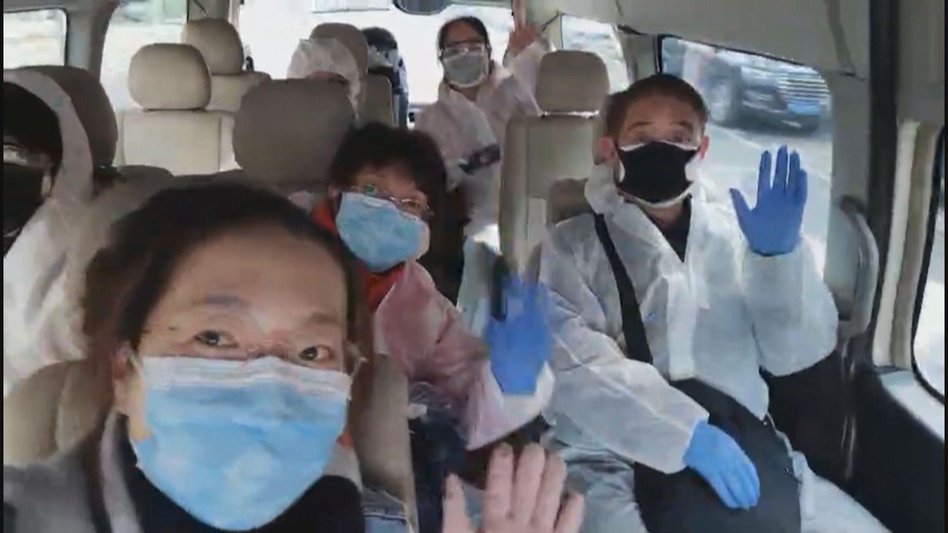 【湖北最新片段】滯留港人離開所屬小區 準備乘包機回港