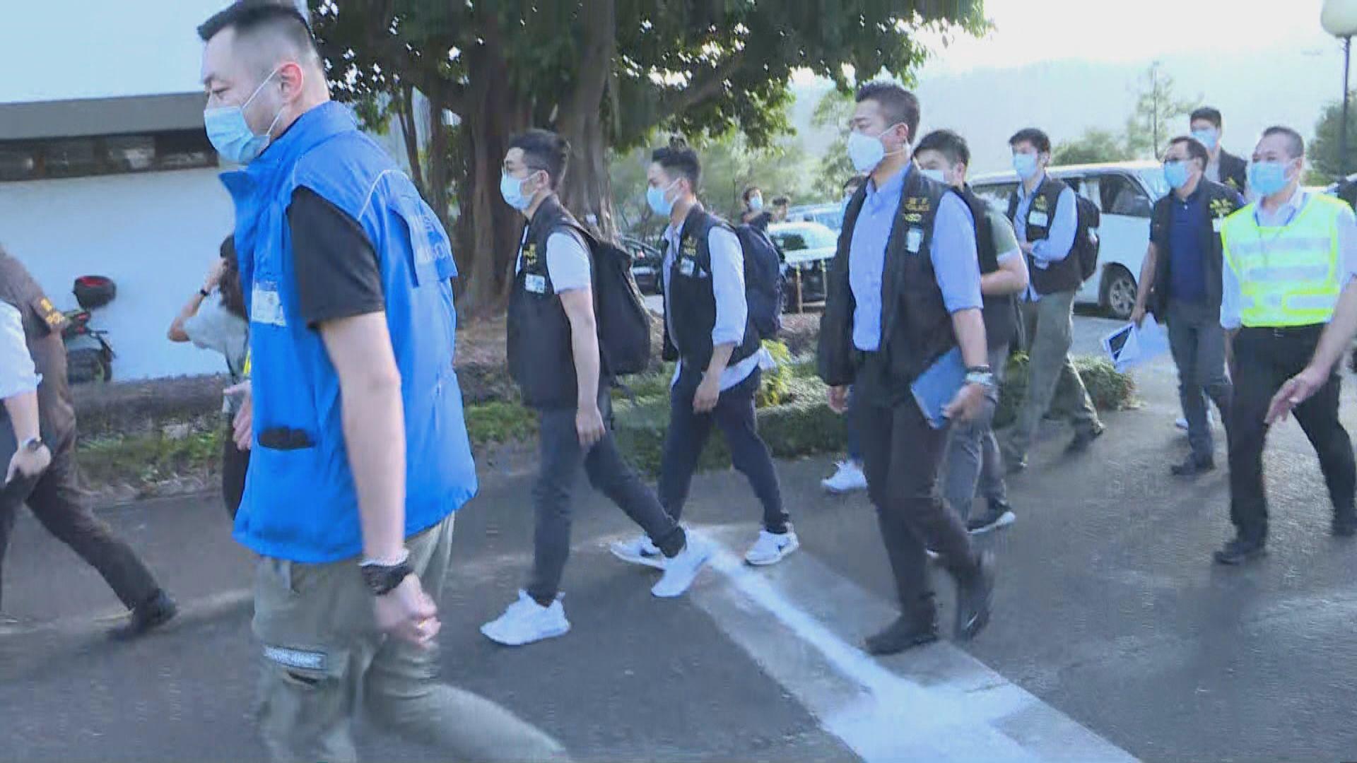 消息:警方國安處拘8人涉中大遊行 楊子雋陳易舜被捕