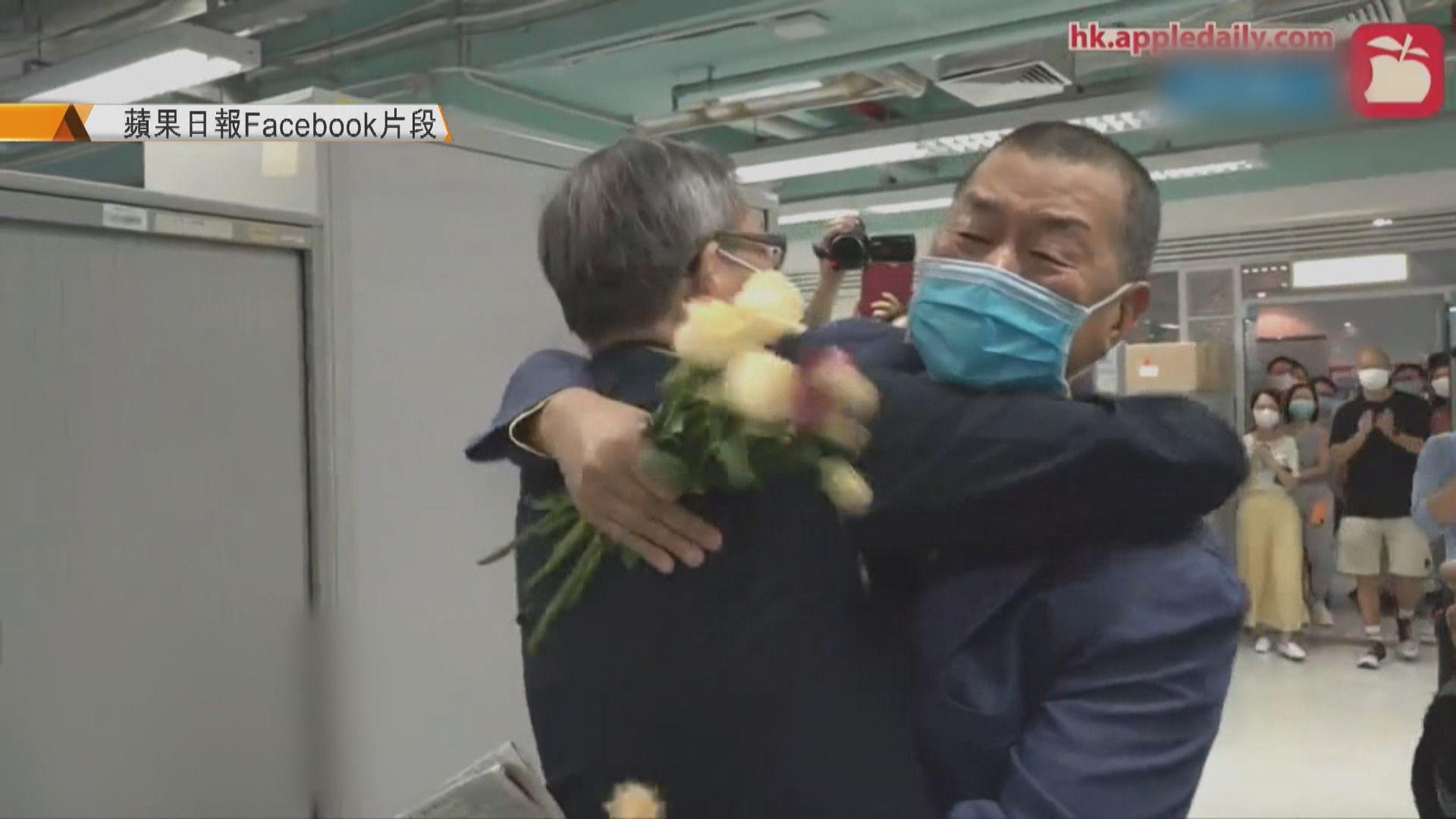 黎智英返回壹傳媒大樓辦公室