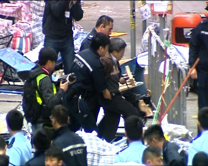警方完成銅鑼灣清場 17名留守者被捕