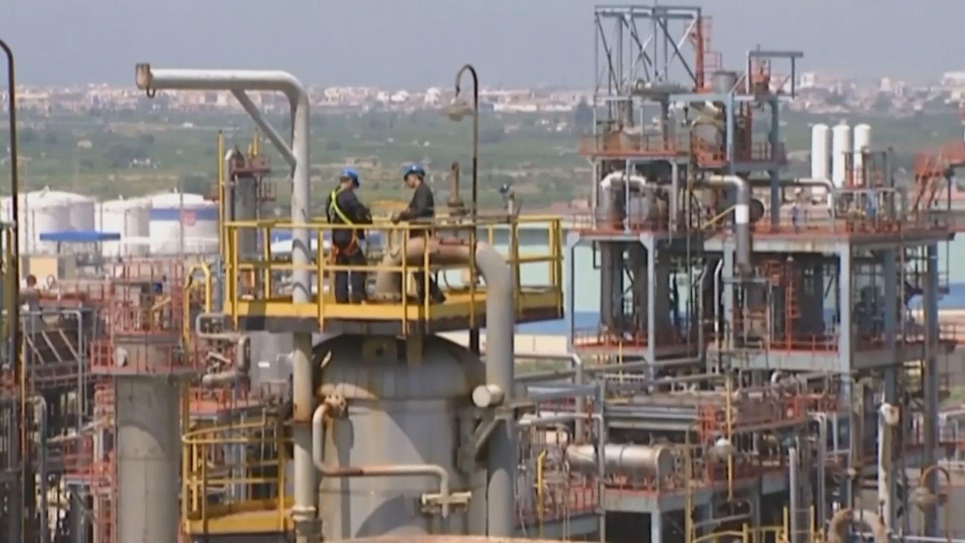 油價急升逾兩成 因特朗普稱沙特俄國將達成減產協議