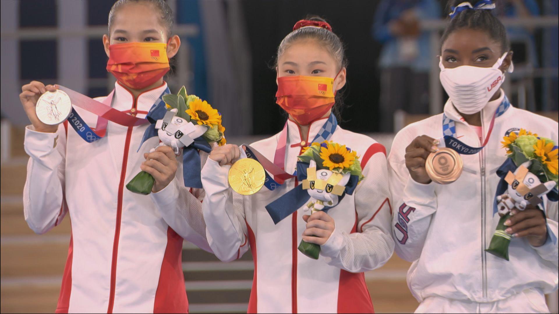 國家隊包辦平衡木金銀牌