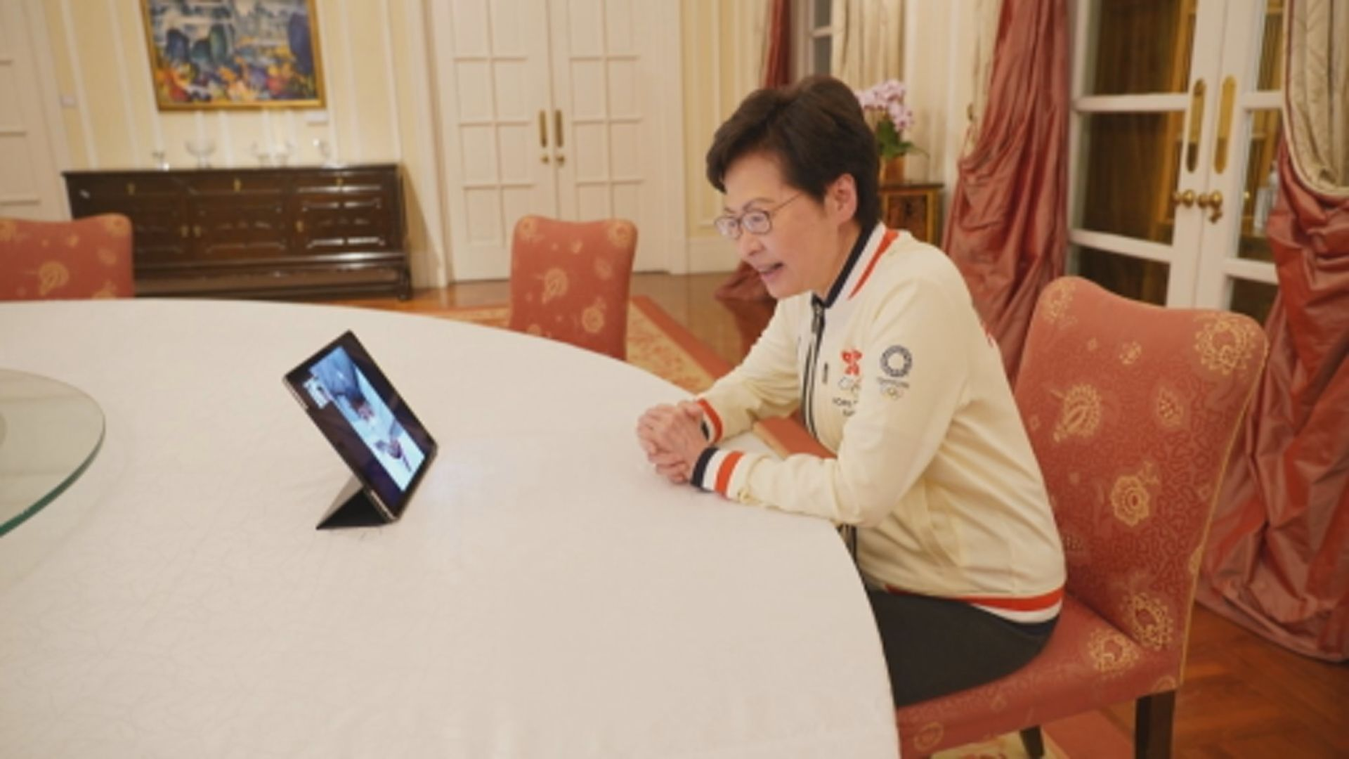 林鄭月娥與張家朗視像通話 祝賀奪奧運金牌