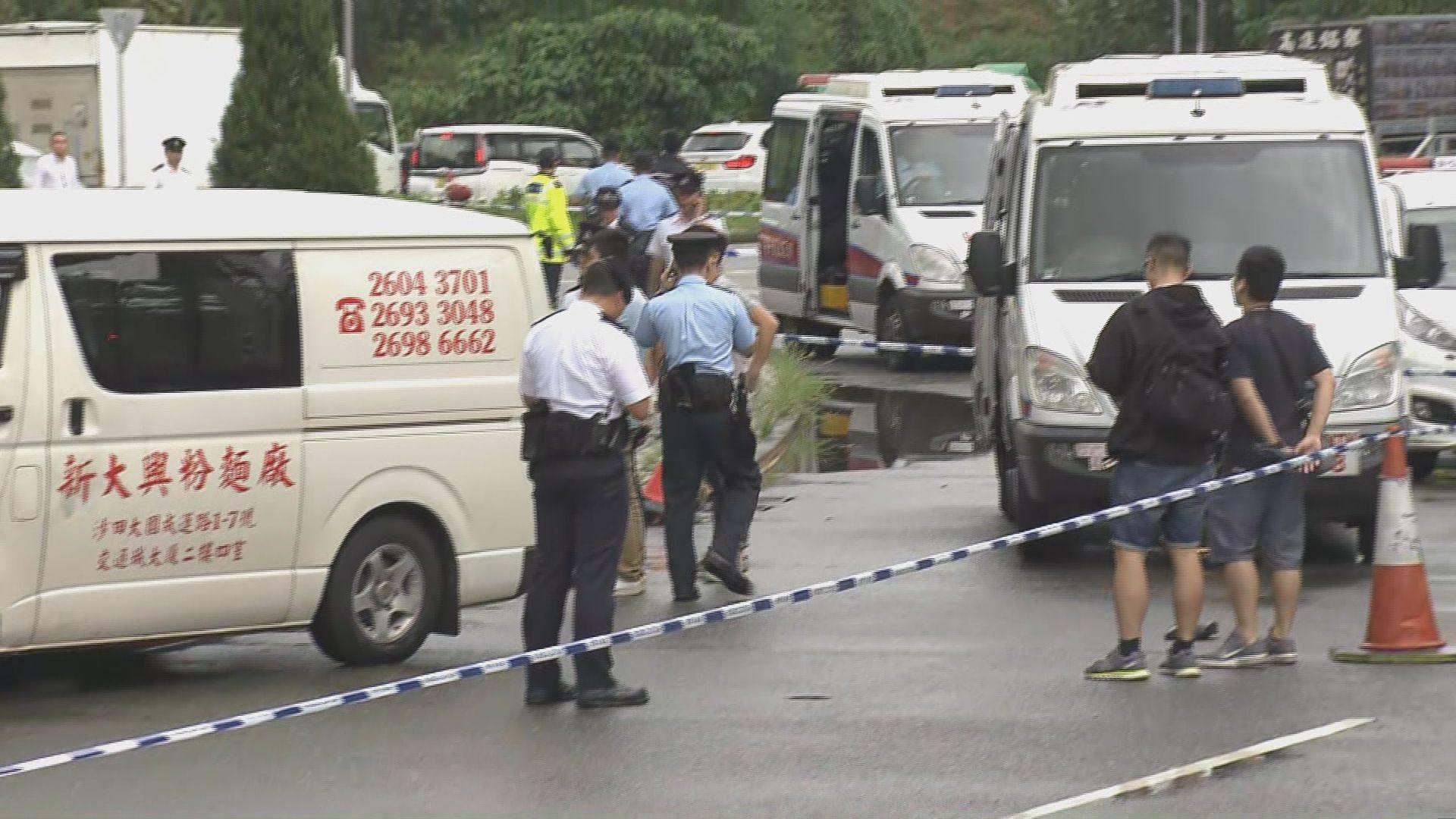 林錦公路有警員開槍 多處設路障追捕疑犯
