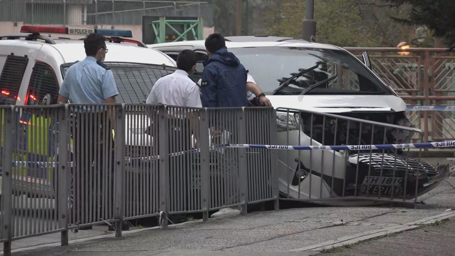 大埔康樂園警開一槍截匪拘四人 相信射中疑犯私家車