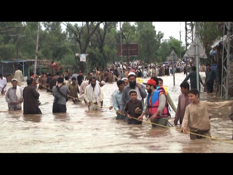 巴基斯坦暴雨成災最少42人死
