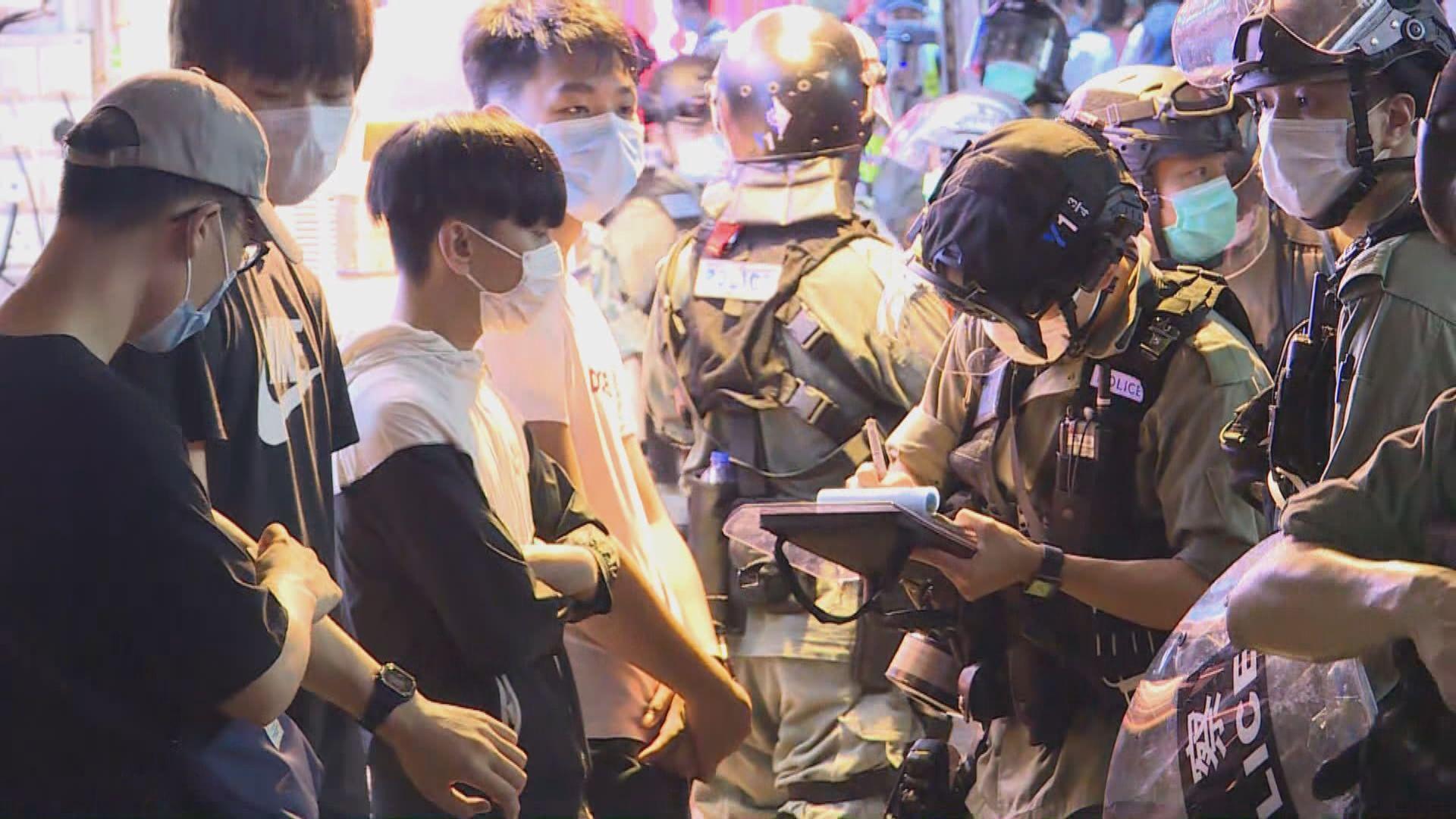 周梓樂逝世半年 旺角有人群聚集遭警方到場驅散