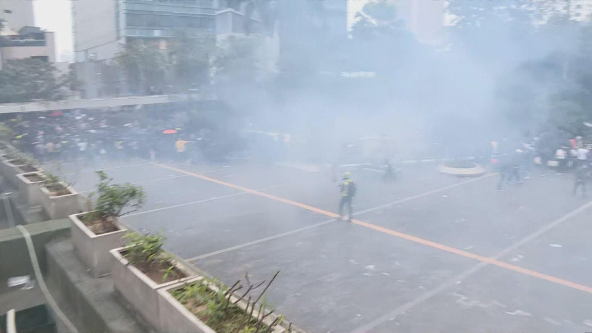 警方以主辦單位未能控制秩序為由要求中止集會