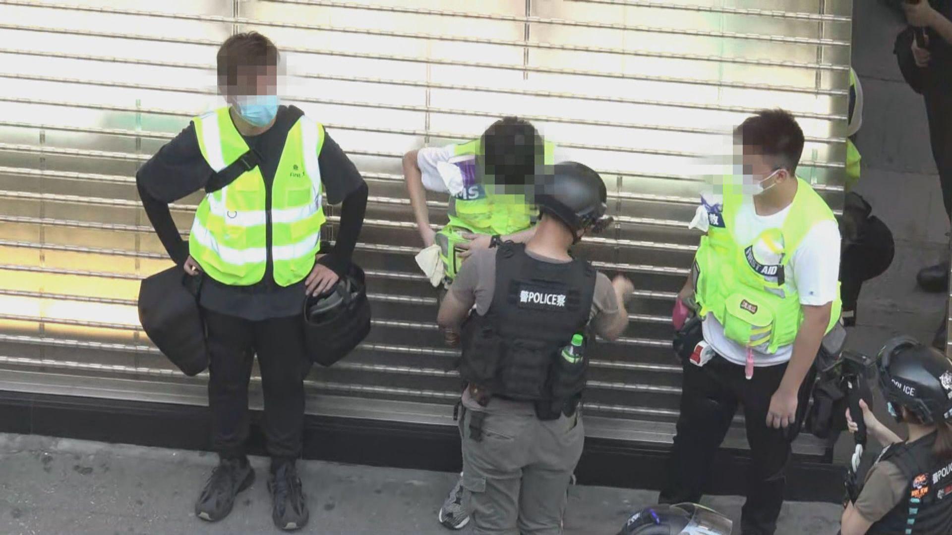 警方指有人涉嫌非法集結 共拘捕五十三人