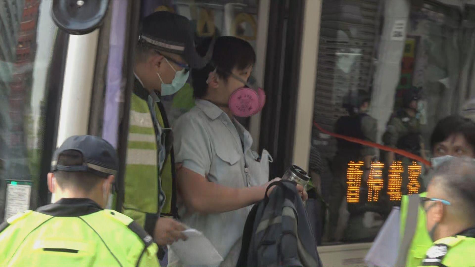 有新巴司機懷疑向警員響號被捕