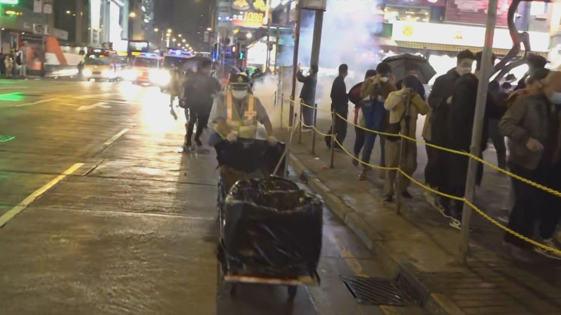 警方旺角施放催淚彈驅散人群
