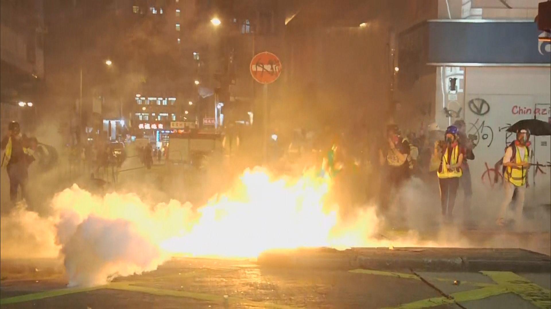 警方晚上在旺角驅散人群 拘捕多人