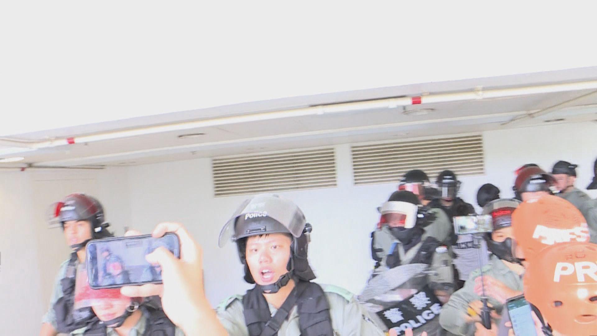 沙田大埔屯門有人聚集 防暴警出動帶走多人