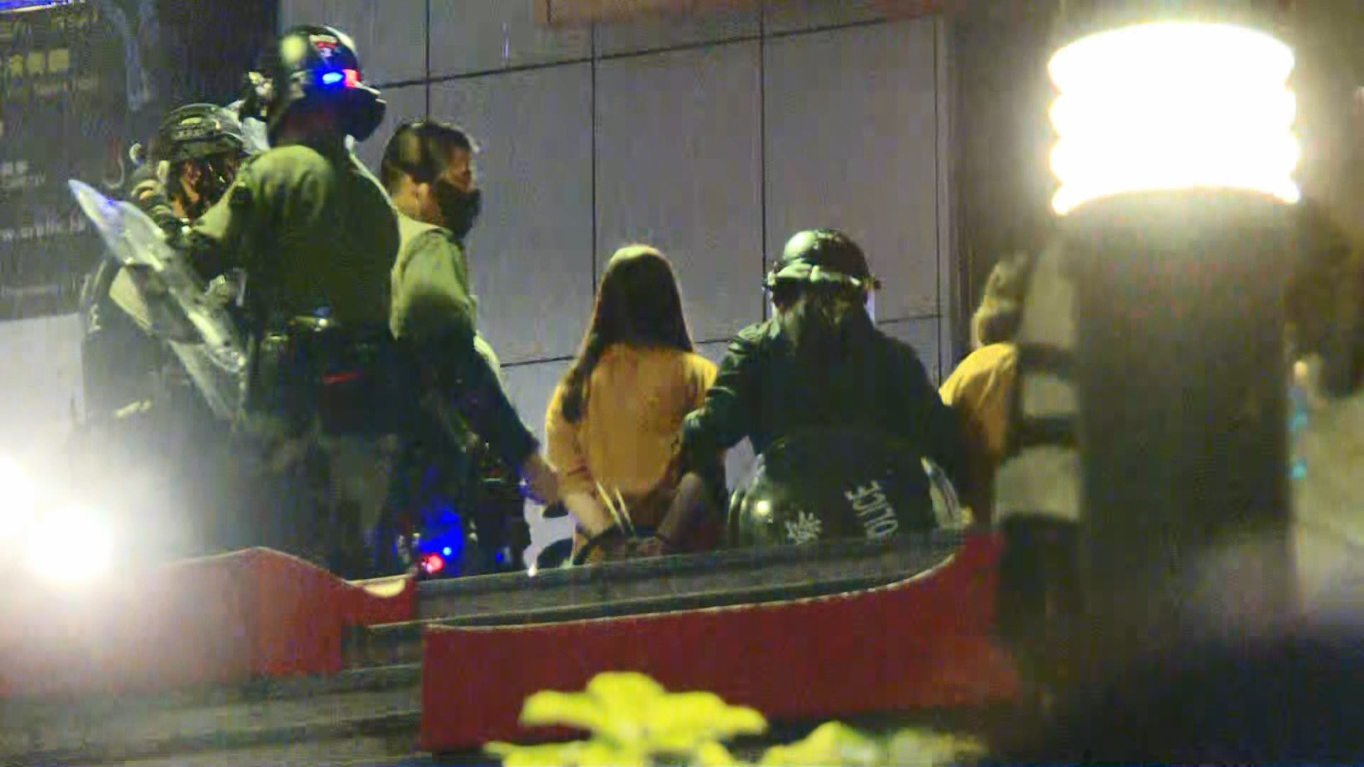 警方晚上沙田拘捕一批人涉刑事毀壞