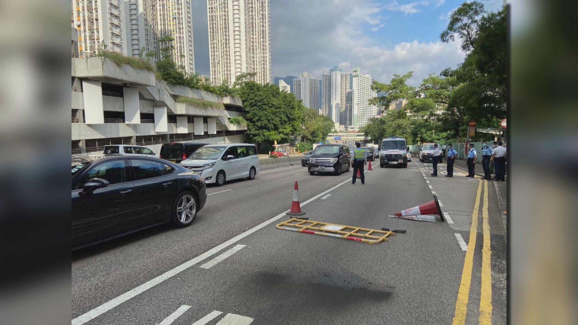 警方指有市民目擊兩男子向龍翔道投擲汽油彈