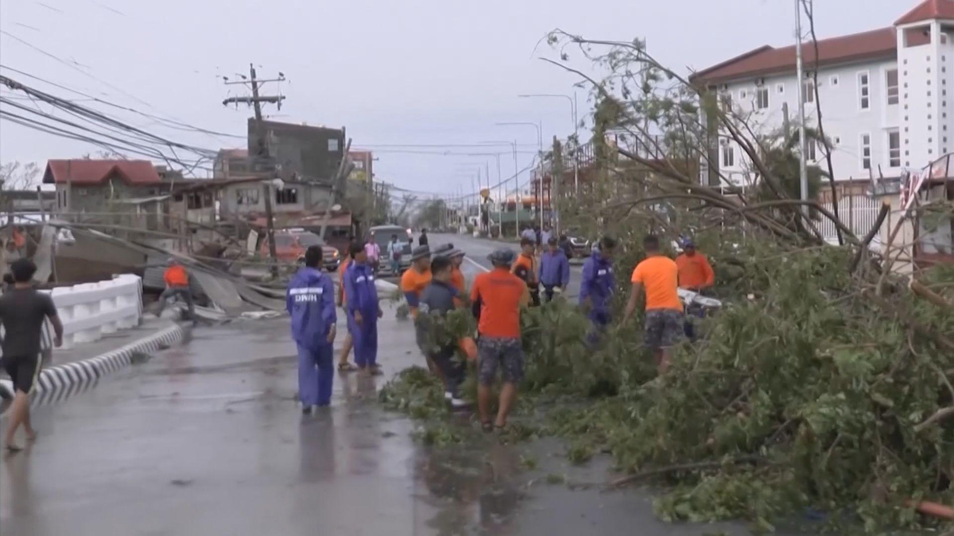 山竹吹襲菲律賓造成最少十二人死亡