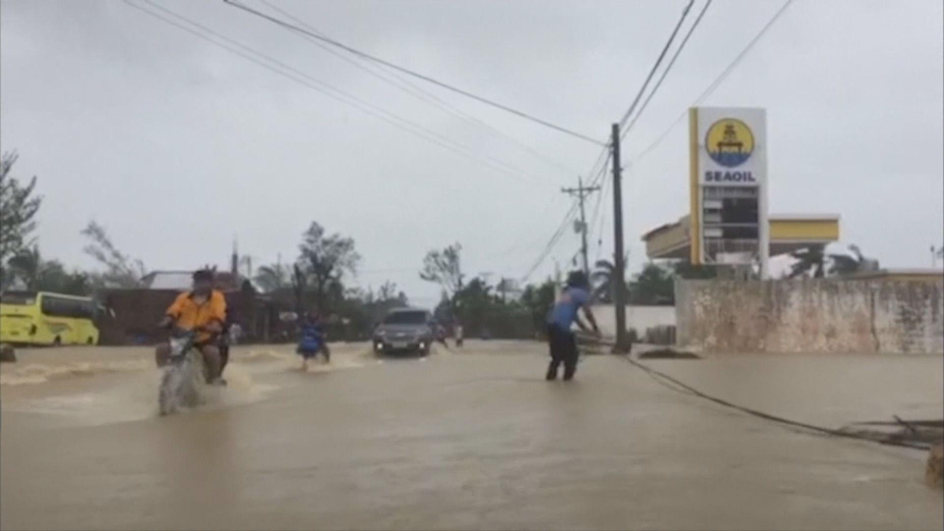 巴蓬吹襲菲國中部逾萬人避難中心過聖誕