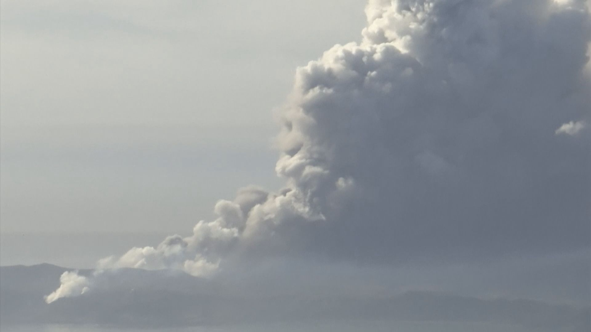 菲律賓塔阿爾火山爆發 馬尼拉等多個城鎮停工停課