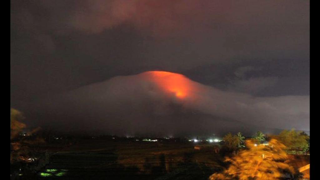 菲律賓馬榮火山或大爆發 逾萬人疏散