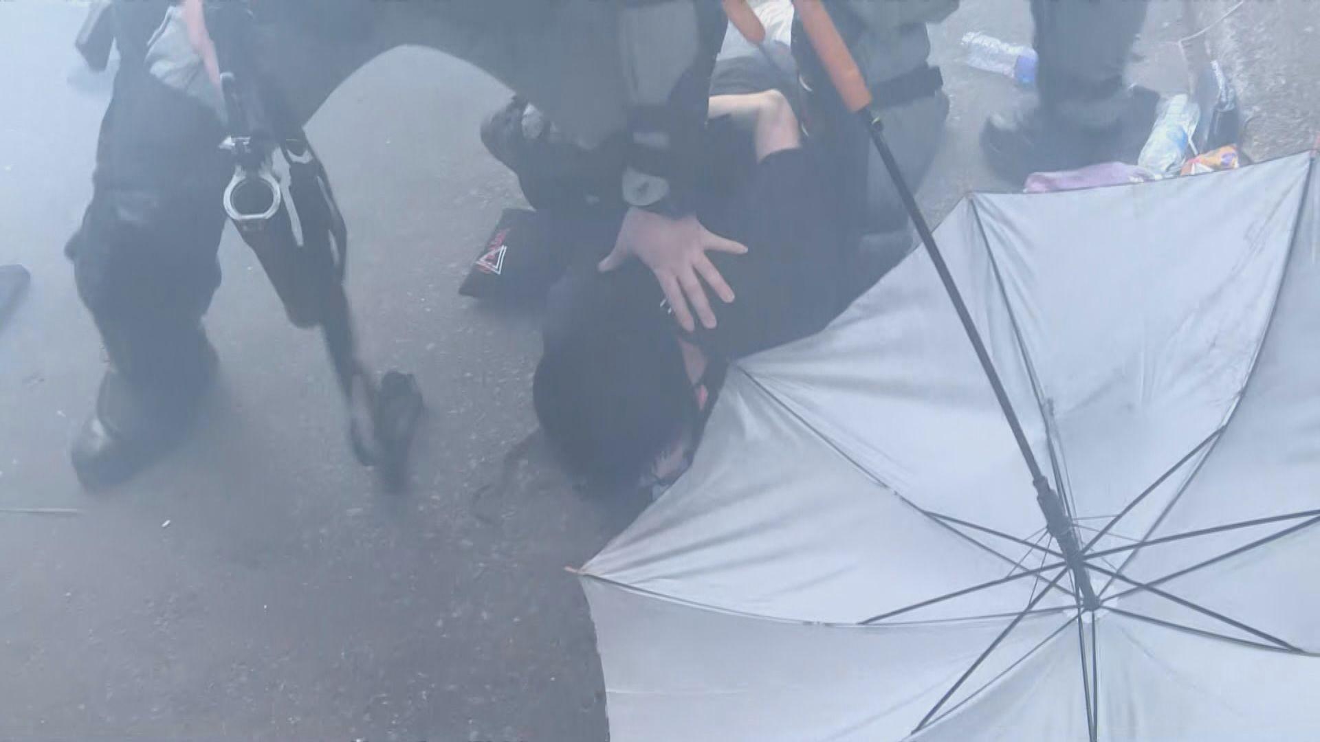 反修例示威衝突警拘7700人 四成為學生