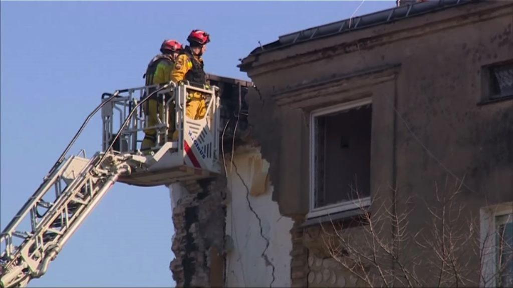 波蘭民居倒塌最少四死廿傷