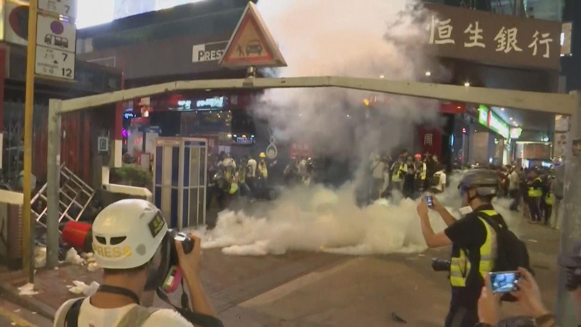 警方:過去一星期使用近200枚催淚彈