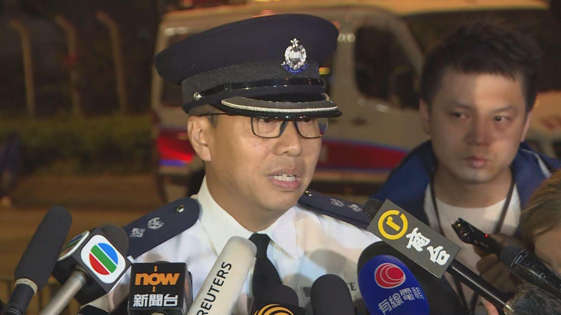 警方協調政府部門清理路障 將適時開通紅隧