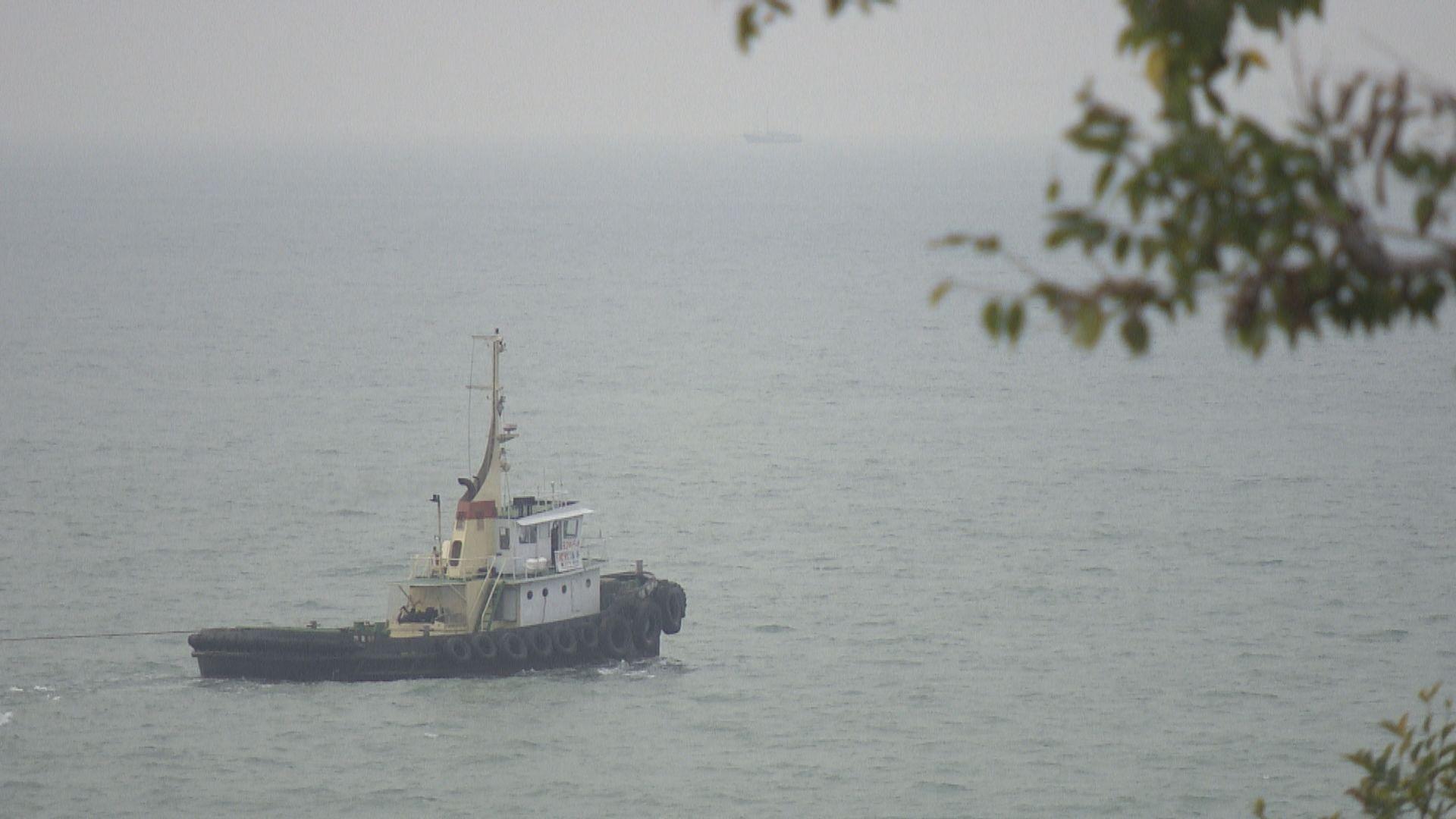 珠海水警船追截走私快艇時進入香港水域於大澳擱淺