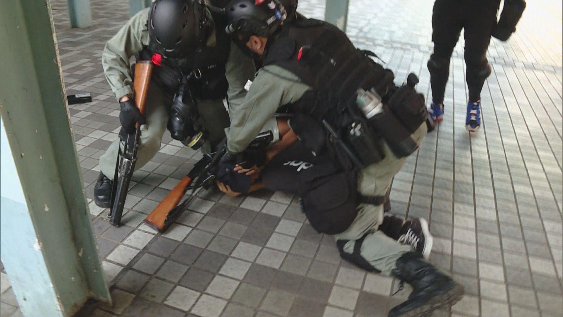 警指示威者接近失控 廣泛影響市民生活