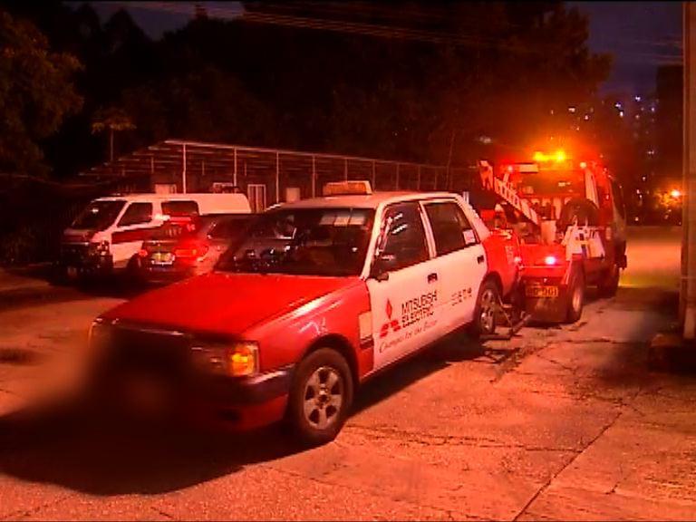警拘四名的士司機涉濫收車資