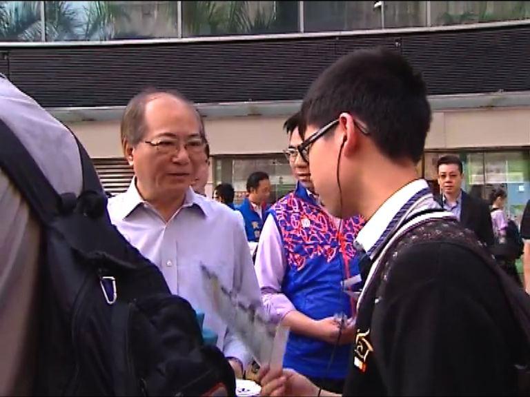 吳克儉早上落區宣傳政改方案