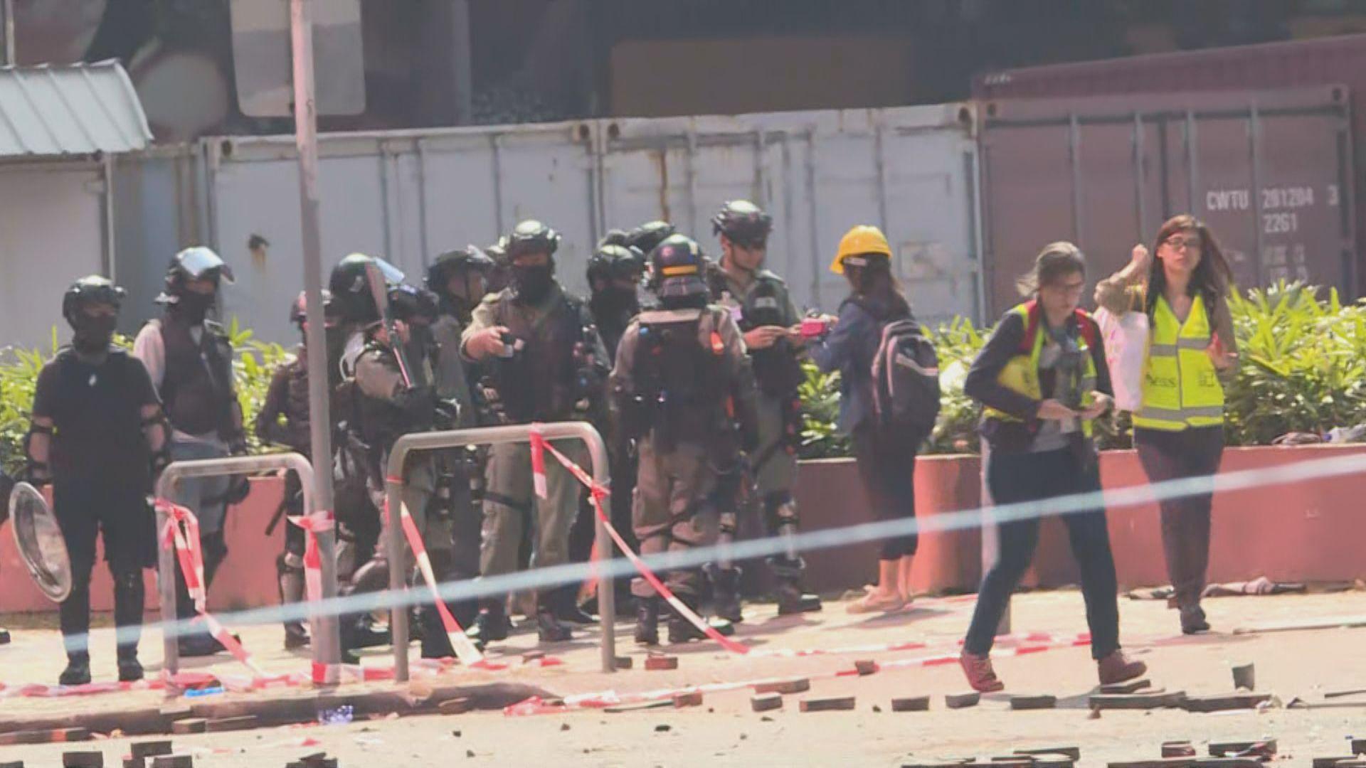記協批評封鎖理大警員侵犯新聞及採訪自由