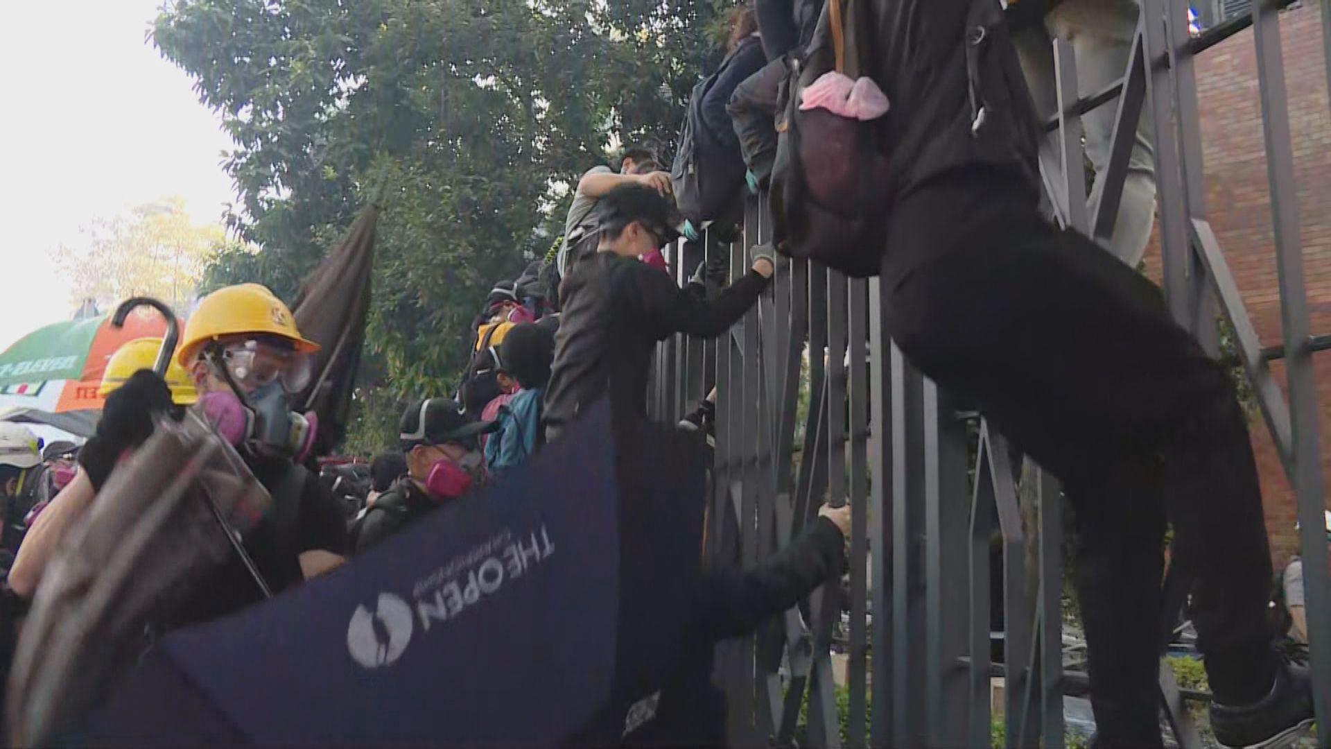 部分留守理大示威者為中學生