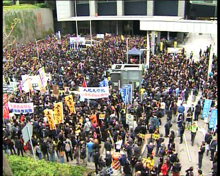 新聞界遊行反暴力捍衛新聞自由